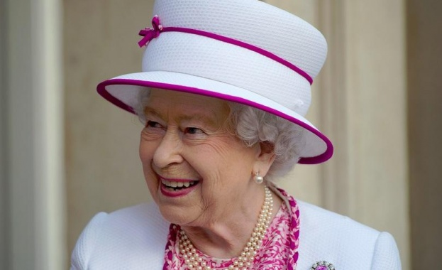 Beaming Queen shares first Instagram post from Science Museum